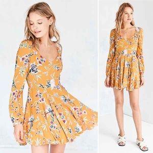 🌼NWOT UO Ecote Mustard Floral long sleeve dress